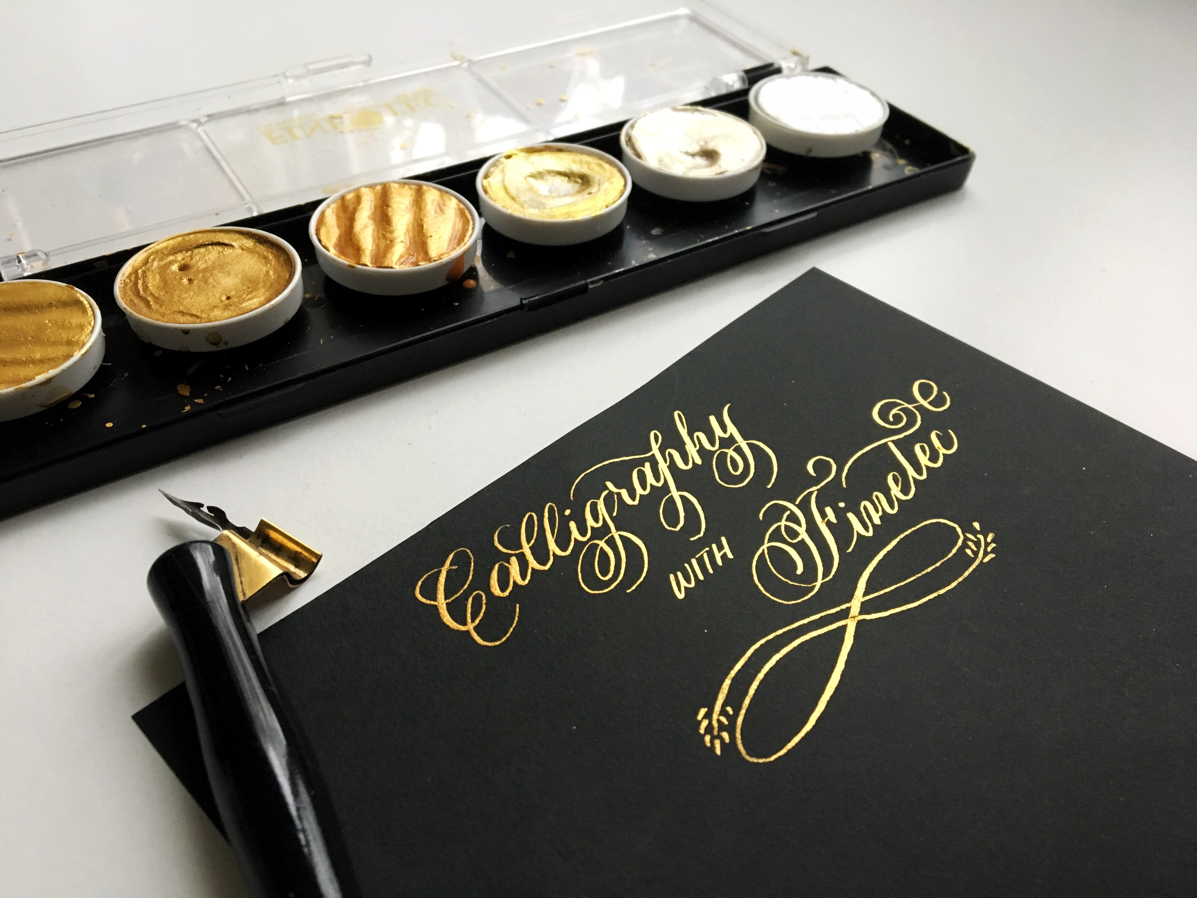 How to use finetec gold to create stunning calligraphy